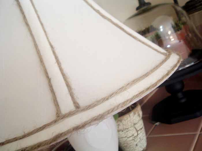 A lamp transformation and an idea for using jute twine on a lamp shade! See how to do this yourself!