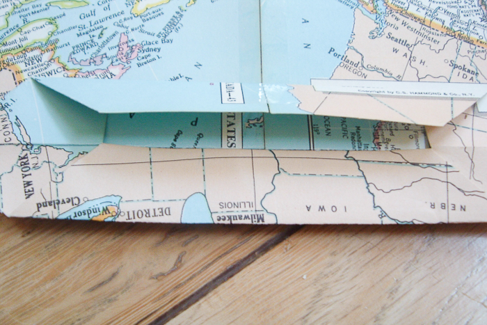 how to fold maps into gift bags