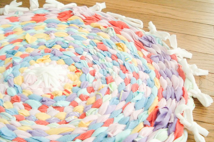 This diy rag rug is a fun craft to make out of old t-shirts