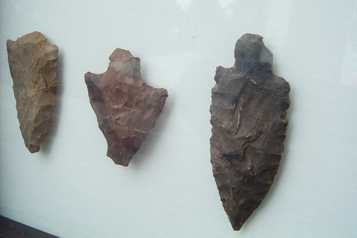 putting arrowheads in a shadowbox