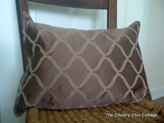 DIY Pillow from a Placemat — all for $2!