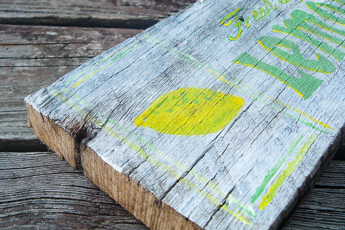 How to make your own rustic wood signs with your Cricut machine.