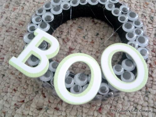 boo wreath for halloween