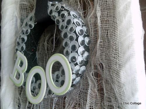 eyeball wreath for halloween