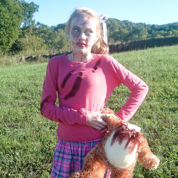 An easy DIY teen girl zombie costume.