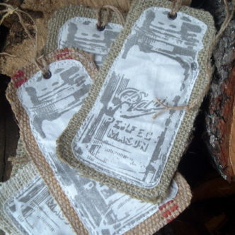 Make these burlap mason jar Christmas ornaments!