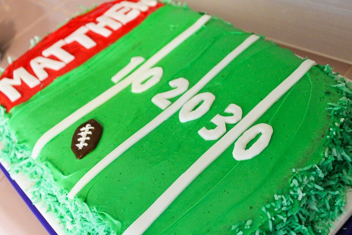 fondant football field cake
