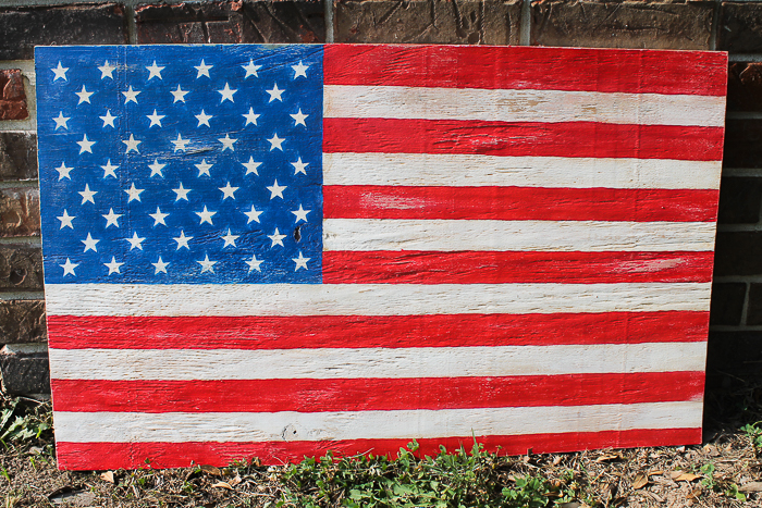 Here's how to make an easy DIY wooden american flag using scrap plywood