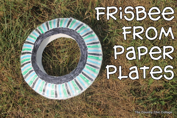 Frisbee from Paper Plates {Kids Craft} - The Country Chic Cottage