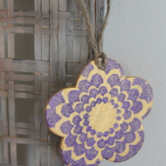 Stenciled Flower Hang Tag