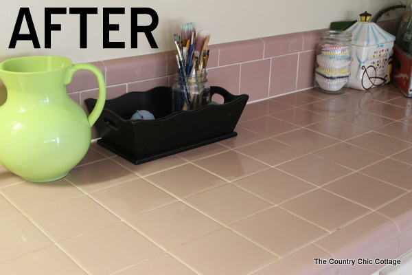 grout cleaned with vinegar solution