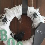 scary halloween wreath-001