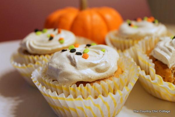 5 ingredient pumpkin cupcakes
