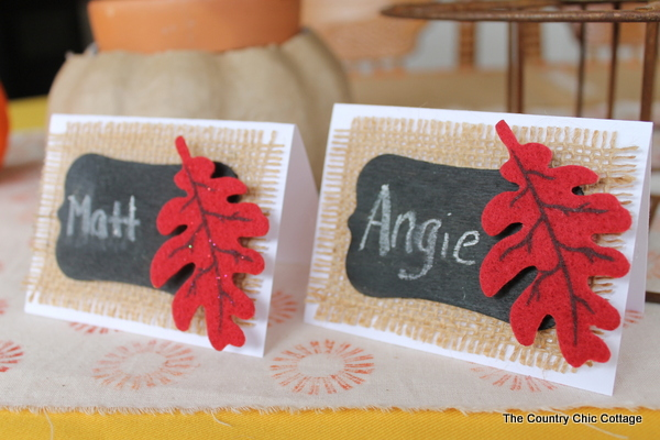 DIY Burlap Thanksgiving Placecards And Placemats