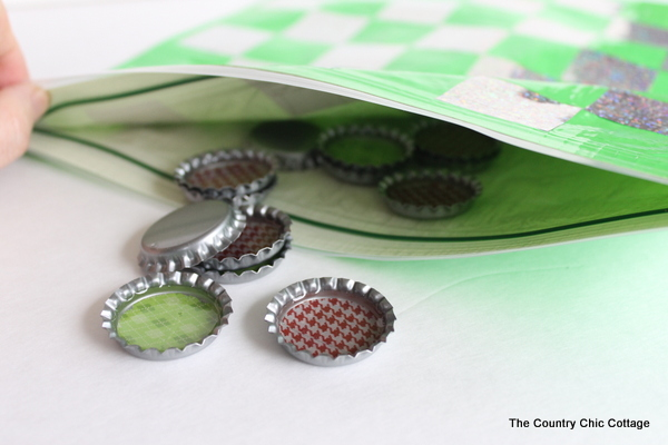 Diy Travel Bottle Cap Checkers The Country Chic Cottage