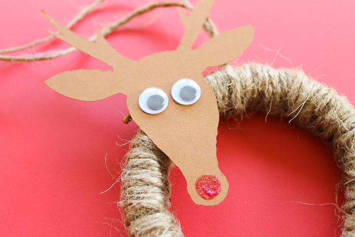 making a reindeer ornament