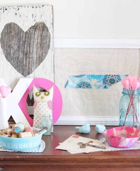 Valentine's Day decor with a farmhouse feel! #valentinesday #farmhouse