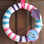 fly a kite spring wreath-009
