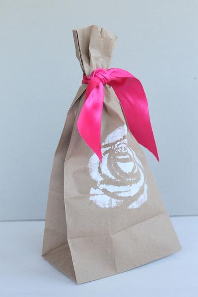 DIY Stenciled Wedding Favor Bags