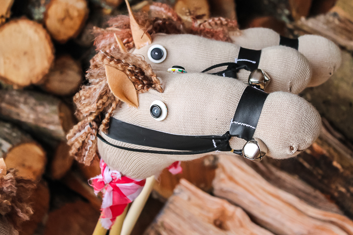 diy stick horse tutorial