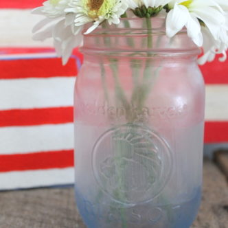Patriotic Frosted Mason Jar in 15 Minutes or Less