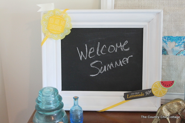 Learn how I change out this seaonal chalkboard whenever the mood strikes with no permanent glue or markings on the original surface. A quick and easy video tutorial from The Country Chic Cottage.