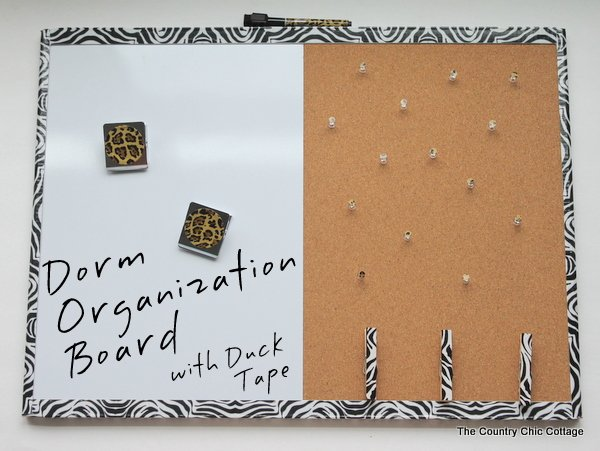 Great dorm organization board decorated with Duck Tape®. Click to find out more about how to make this great board for your own child.