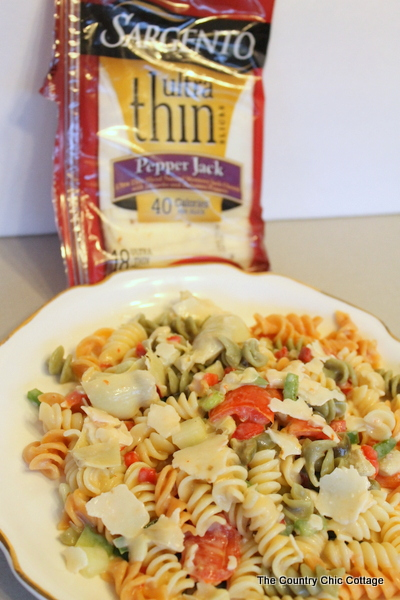 Pepper Jack Pasta Salad Recipe -- a perfect recipe to bring some spice back into your lunch routine. Prepared with fresh ingredients and @sargentocheese this one is a unique and flavorful salad that you will want again and again. #sargentocheese