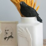 bone hand vase-003