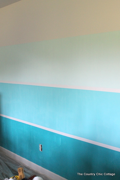 How to paint a gradient color wall the country chic cottage for Painting lines on walls