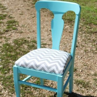 Teen Room Painted Chair and Painting Tips and Tricks #ad
