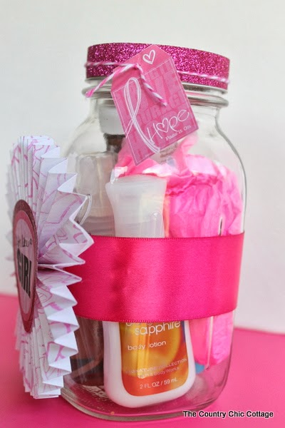 Breast Cancer Gift in a Jar -- make a special gift in a jar for anyone struggling with breast cancer. A super simple idea that will leave a smile on their face.