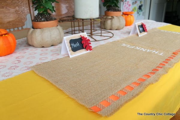 Diy Burlap Placemats For Thanksgiving The Country Chic