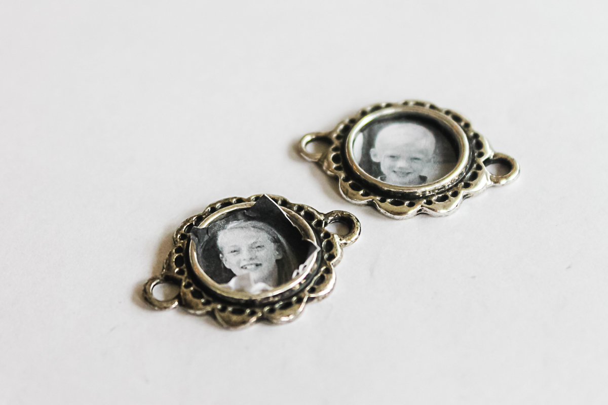 how to put photos in charms