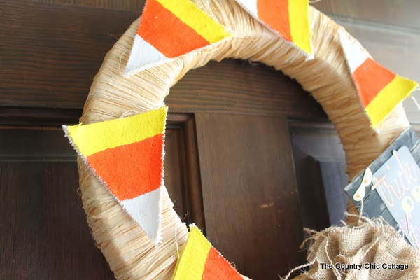 Trick or Treat Halloween Wreath -- a quick and easy candy corn wreath for your Halloween decor.