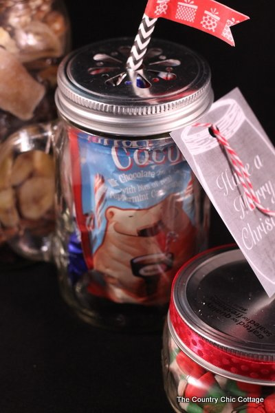 10 Gifts in a Jar -- get 10 ideas for gifts in jars in a fun 10 minute video. Great quick and easy gift ideas in this post!