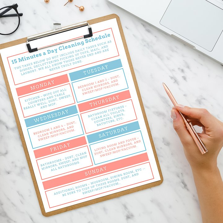 This 15-minute daily cleaning checklist breaks down your cleaning tasks into manageable 15 minute chunks