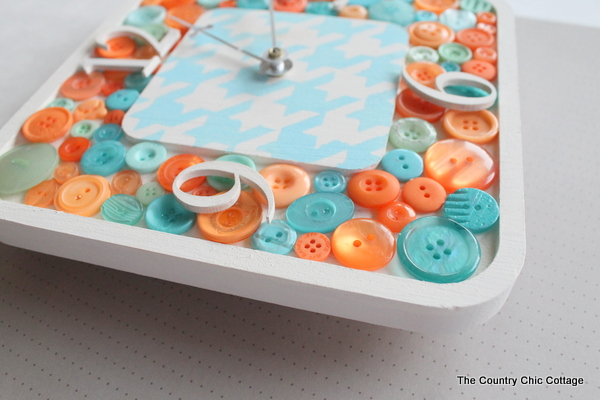DIY Button Clock -- make your own button clock for a craft room or any room in your home.