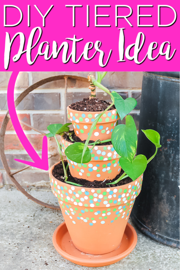 Make a DIY tiered planter in minutes with this technique! Also sharing how to easily add some paint to make this project extra special! #outdoors #gardening #planters #painting