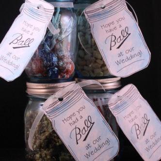 Mason Jar Wedding Favors with Free Printable Tags