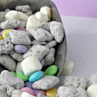 Easter Muddy Buddies