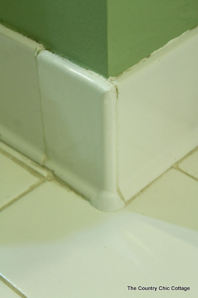 Repairing tile with sugru -- a simple product to use for home repairs. Click to find out more!