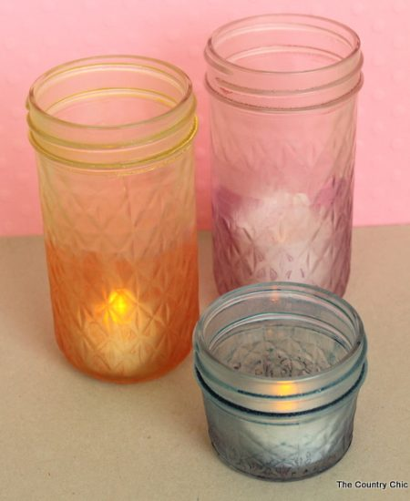 Two Tones Dyed Jars -- dye your mason jars in just minutes with a multi-tone appearance your will love.