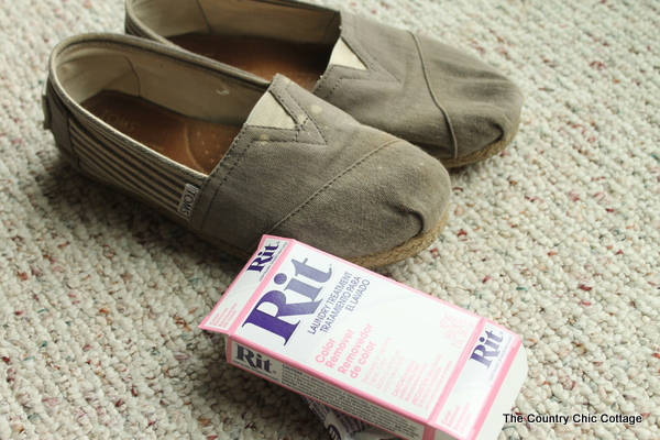 Dye your Toms or any other shoes with these simple steps.  Dye is easy!
