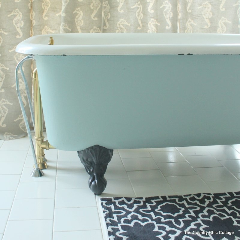 Clawfoot tub feet crafts - Painted clawfoot tub exterior pict ...