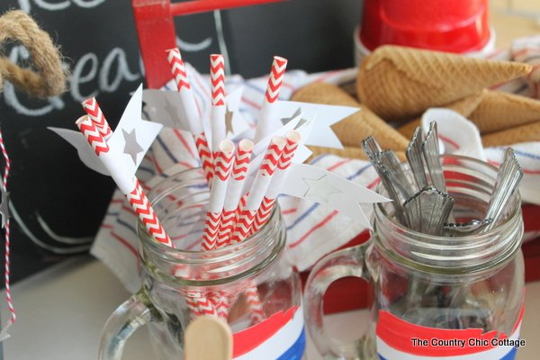 Patriotic Sundae Party -- throw a simple ice cream party with these fun ideas.  Perfect for summer or the Fourth of July.