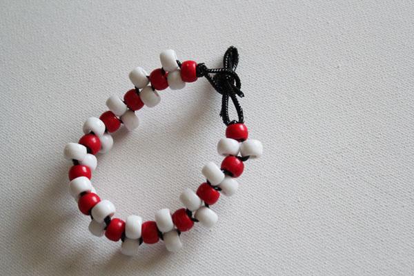 cl4 make-a-pony-bead-bracelet