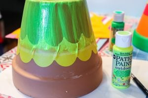using scalloped painter's tape