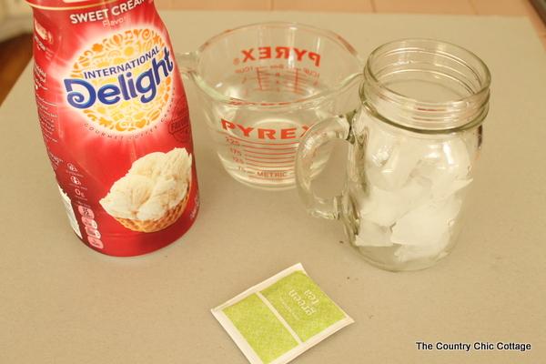 iced green tea latte-002
