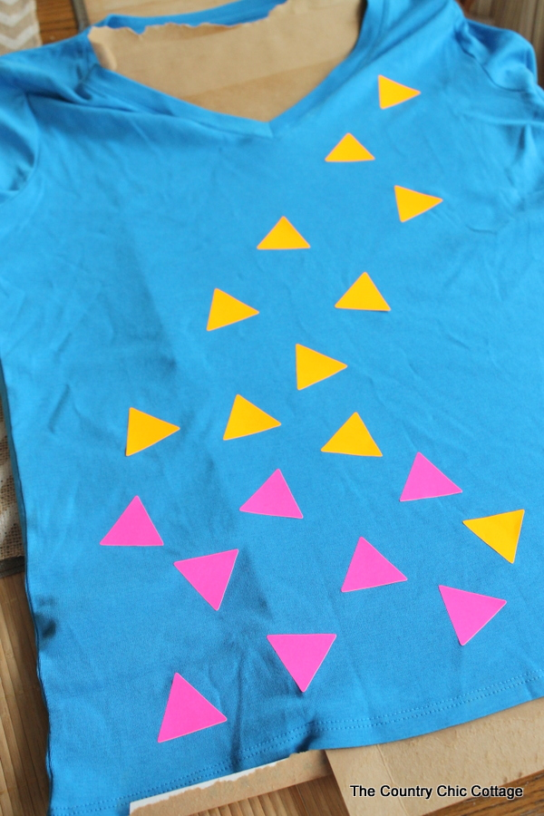 Bleach Spray Shirt -- make this fun shirt in minutes with some labels and bleach!